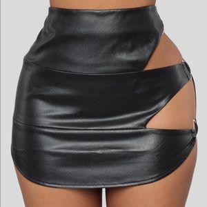 Cut Them Out Skirt (Black)